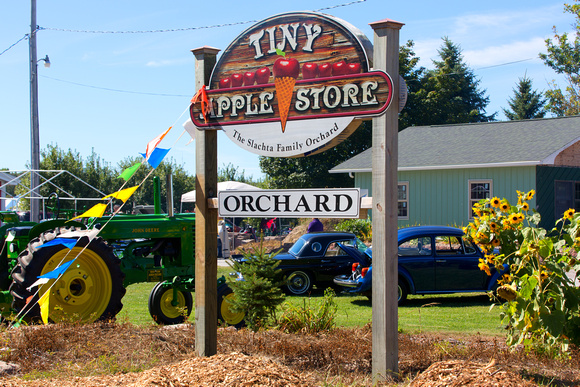 Tinys Apple Orchard